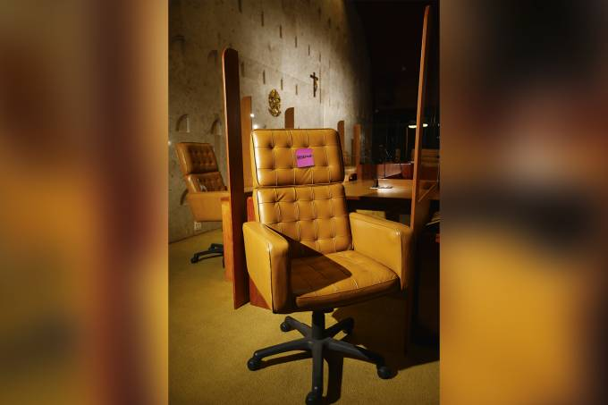 Cadeira-STF-10.psd