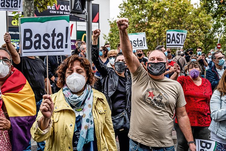 """BASTA -Protesto contra restrições: a OMS alerta para a """"fadiga pandêmica"""" -"""