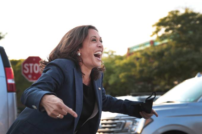 Democratic Vice Presidential Nominee Kamala Harris Campaigns In Milwaukee