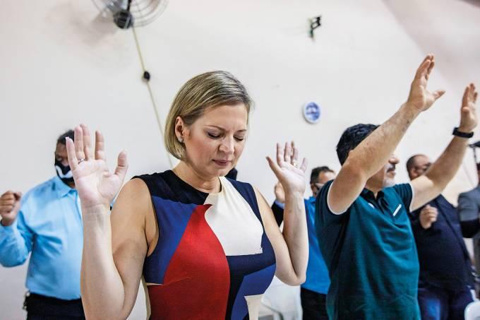 Joice Hasselmann faz campanha em SP