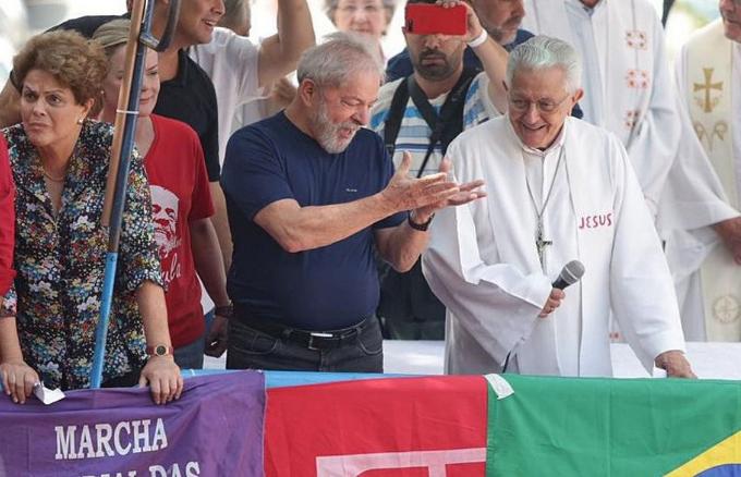 Lula e dom Angélico – Crédito para Paulo Pinto – Fotos Públicas