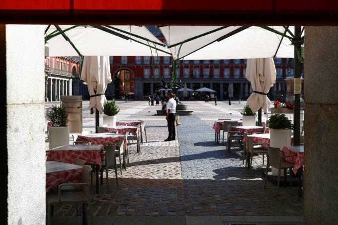 Restaurante vazio em Madri Sergio Perez-Reuters