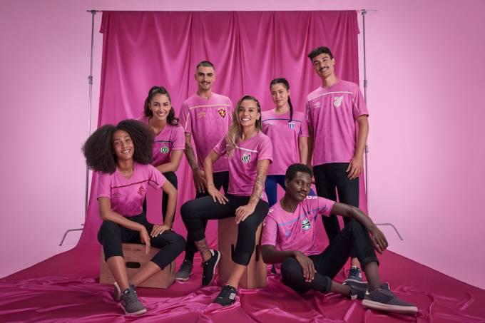 Clubes brasileiros vestidos pela Umbro lançam uniformes na cor rosa
