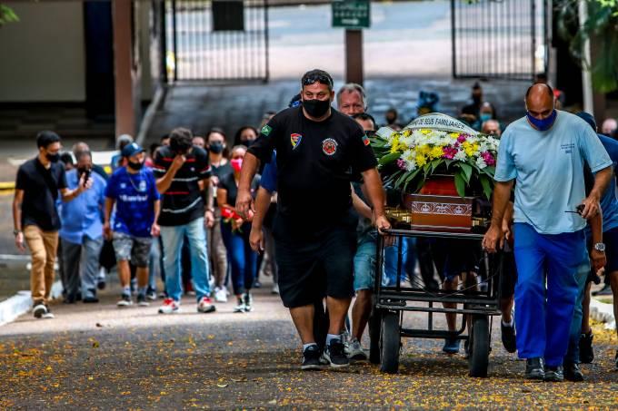 Funeral de João Alberto Silveira Freitas, que foi agredido e morto por dois seguranças do supermercado Carrefour em Porto Alegre (21/11/2020)