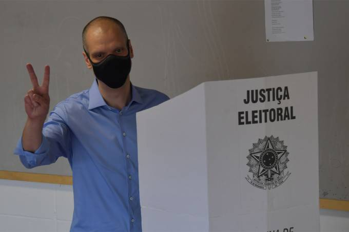 FILES-BRAZIL-MUNICIPAL-ELECTION-RUNOFF-COVAS