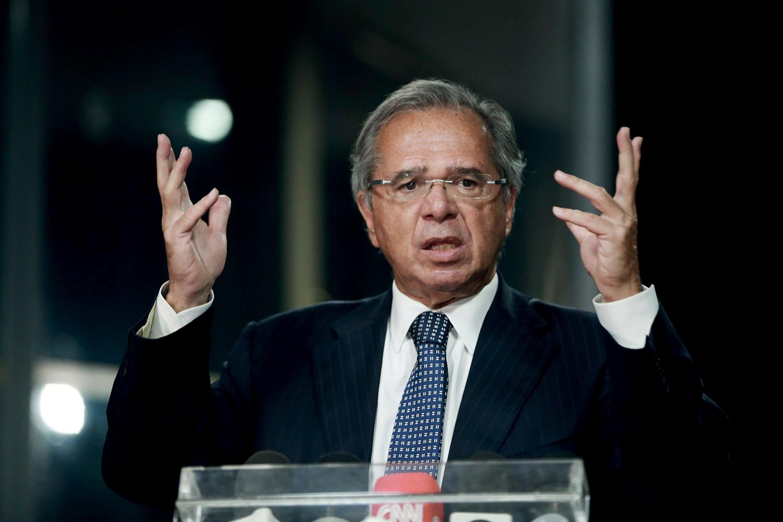 CATEQUESE - O ministro Guedes: reuniões com o presidente Bolsonaro para alertar sobre o perigo de furar o teto -