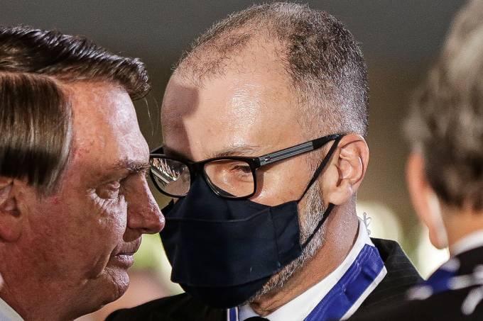 O diretor presidente da Anvisa Antonio Barra Torres e o presidente Jair Bolsonaro