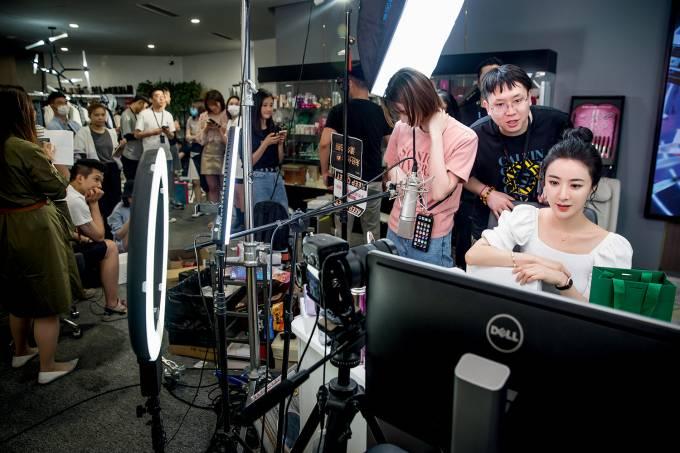Chinese Live Stream Celebrity Viya