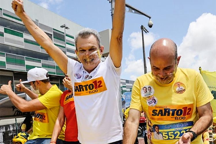 O prefeito eleito de Fortaleza, José Sarto (à esquerda)