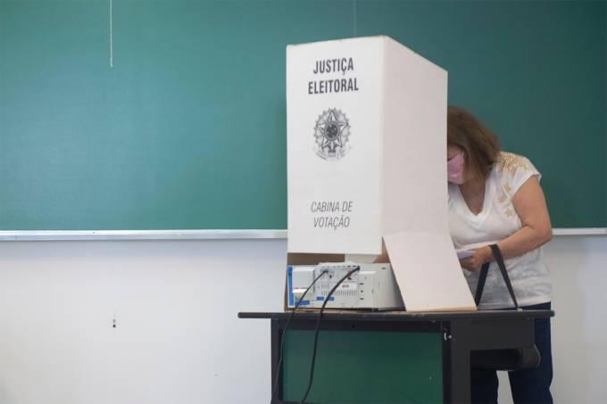 Votaçao-SP-eleiçoes-municipais-eleitores-urna