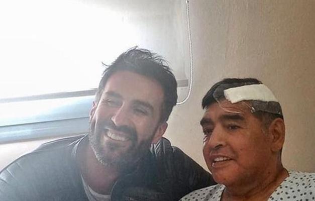 Leopoldo Luque foi criticado por ter postado foto com Maradona após cirurgia