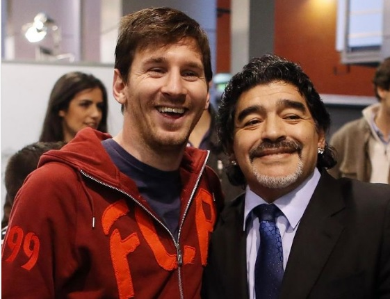 """Messi homenageia Maradona. """"Diego é eterno"""""""