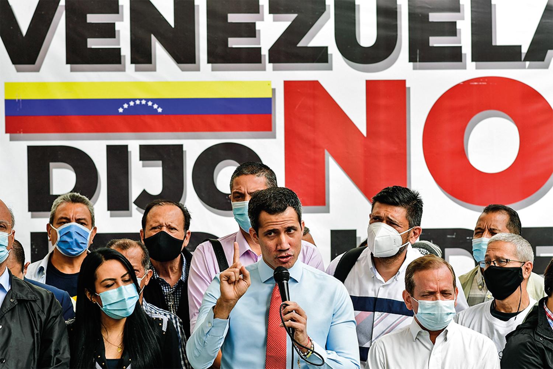 EM BAIXA - Guaidó: sem mandato a partir de janeiro, corre o risco de ser preso -