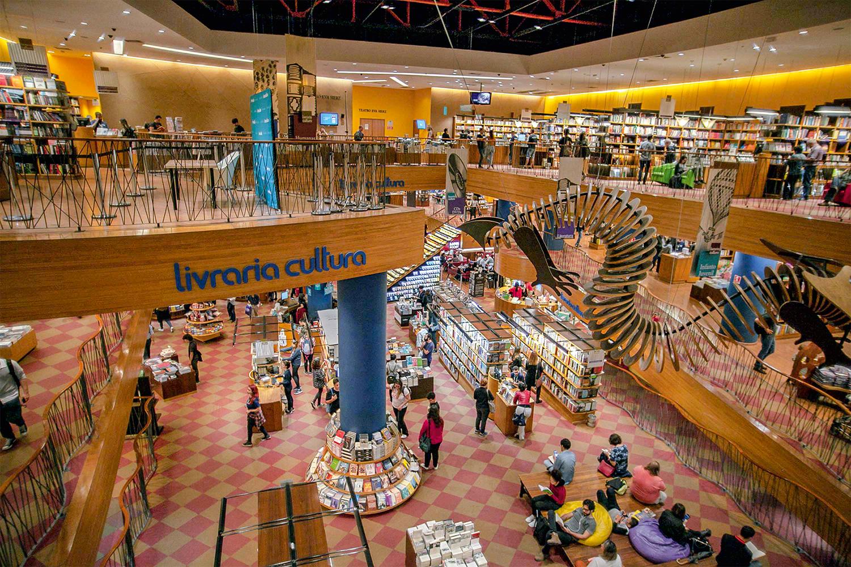 DECLÍNIO - Livraria Cultura: os custos elevados põem em xeque as megastores -