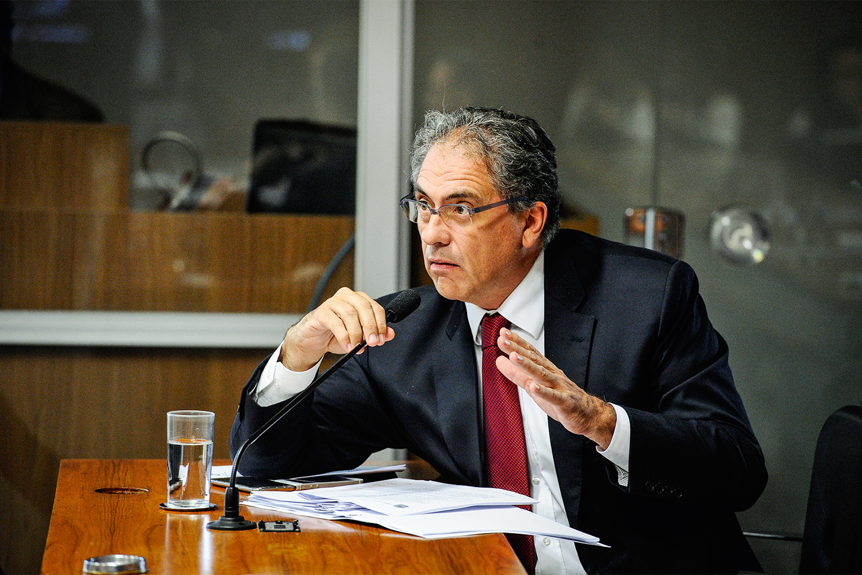 DIÁLOGO - O petista Zarattini: pedido para liberar verba para campo de futebol -