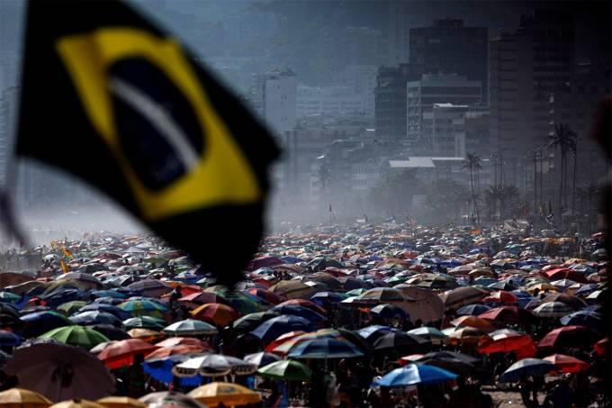 Aglomeraciones en las playas de Río de Janeiro