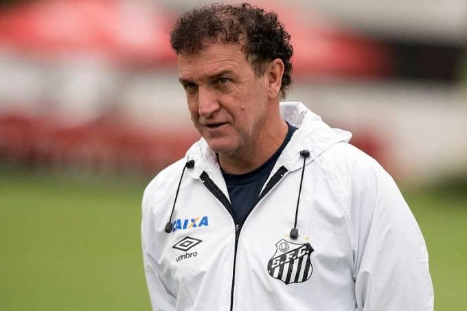 Cuca, treinador do Santos