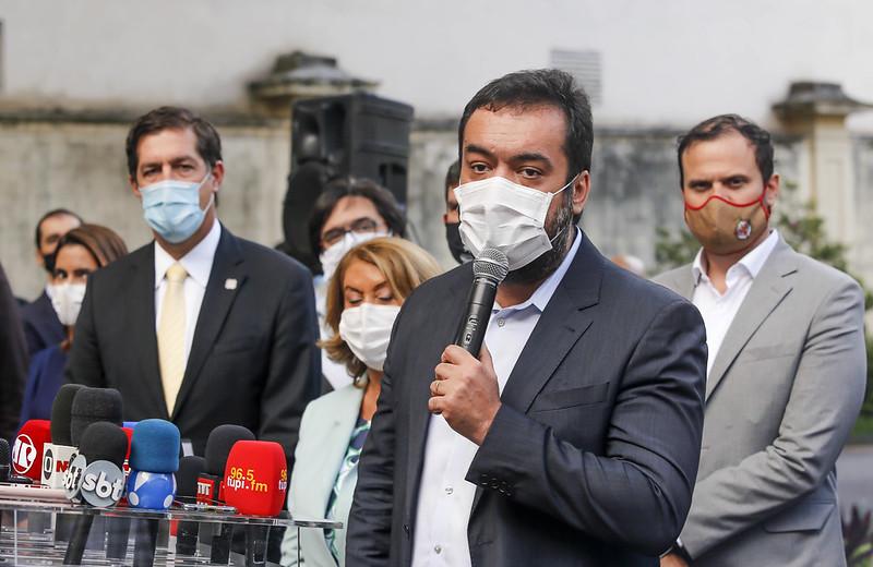 A maré baixa de Claudio Castro para o governo do Rio em 2022   VEJA