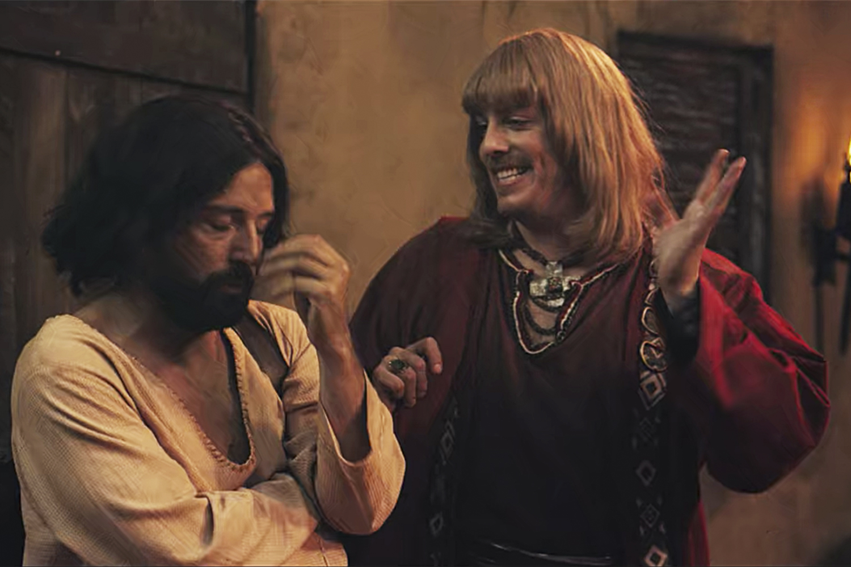 DISCÓRDIA - O Jesus gay (Gregório Duvivier) e Porchat no filme de 2019: ataques covardes de intolerância -