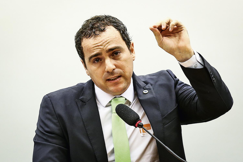 RECORDE NEGATIVO -Bim, o chefão do Ibama: queda nos autos de infração -