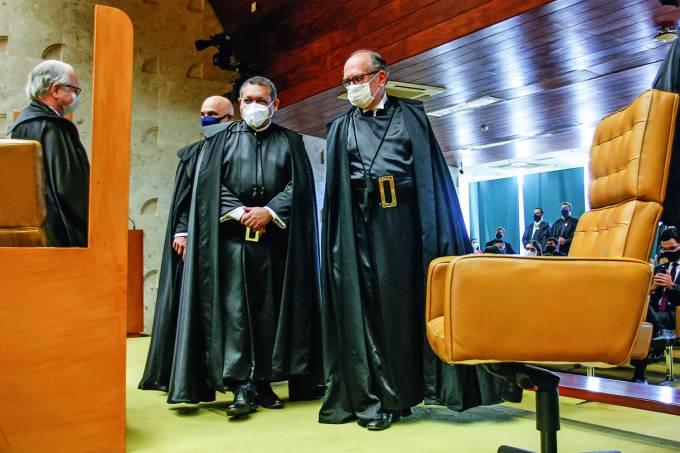 Ministro Nunes Marques durante sessão solene de posse no STF