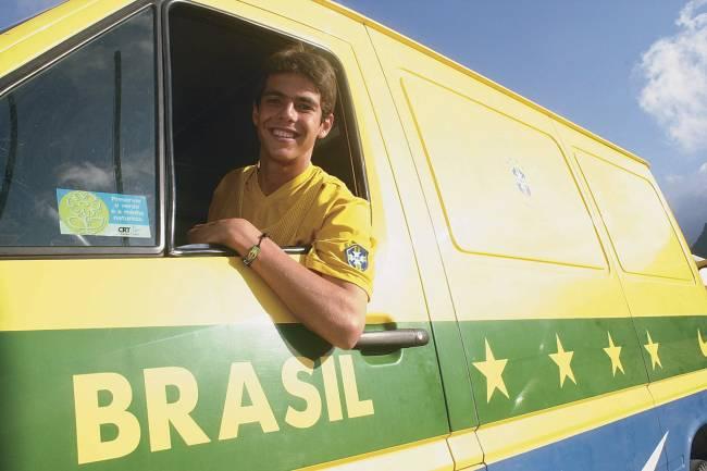 Pela seleção, Kaká disputou o Mundial Sub-20 na Argentina, em 2001: as boas atuações não evitaram a derrota para Gana, nas quartas de final