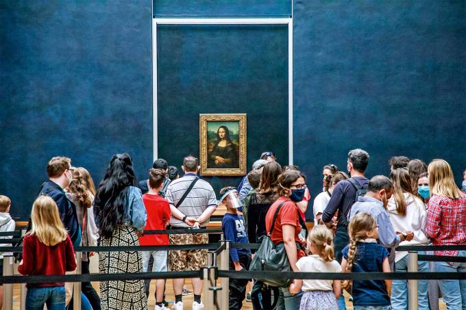 Louvre Museum in Paris, France, Mona Lisa