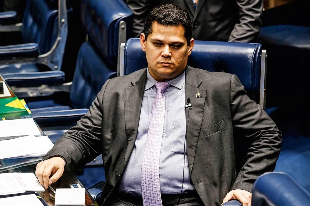 Derrotado em Macapá e no STF, Alcolumbre aposta últimas fichas na sucessão  | VEJA
