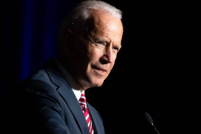 Joe Biden discursa em Dover, Delaware, em março de 2020