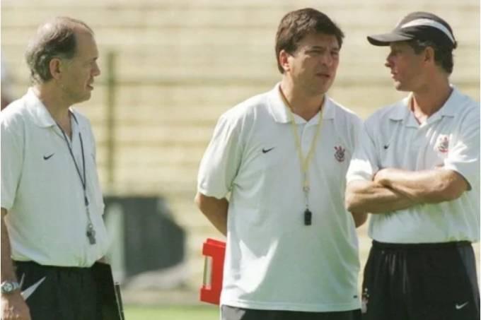 Alejandro Sabella, Daniel Passarella e Marcio Bittencourt pelo Corinthians em 2005