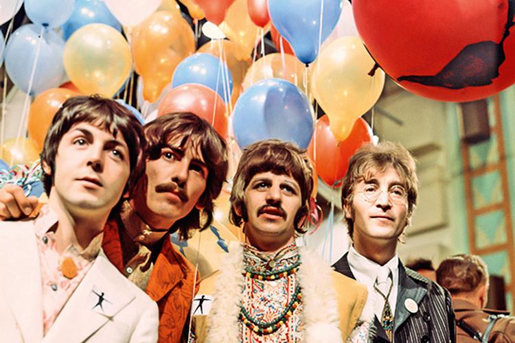 """QUARTETO -Paul (à esq.) com os Beatles: """"Fui o sujeito que destruiu a banda"""" -"""