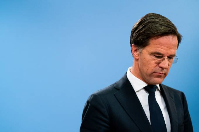 NETHERLANDS-POLITICS-BENEFITS-RUTTE