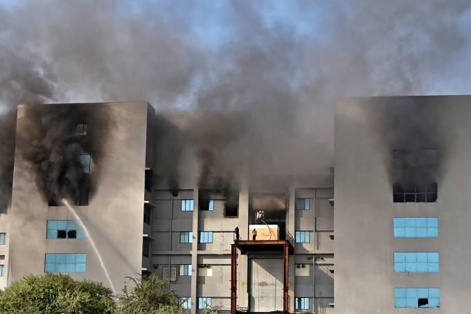 INDIA-HEALTH-VIRUS-VACCINE-FIRE