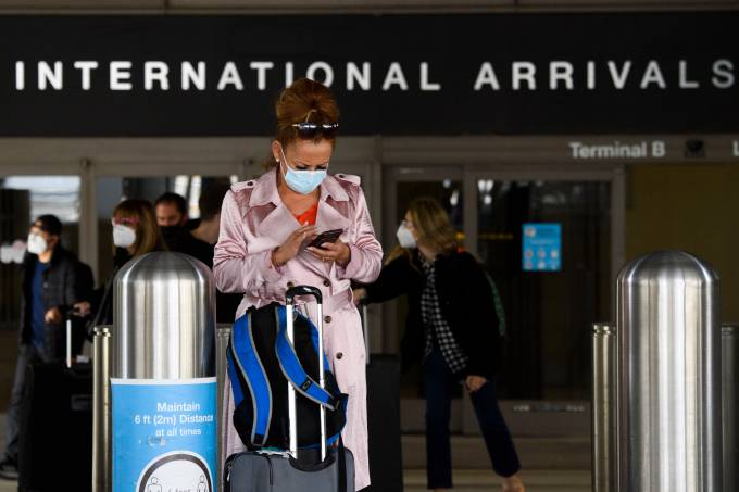 Travel ban re-imposed on non-US citizens who have been in countries severely impacted by Covid