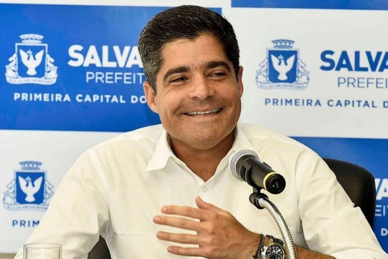 Entre Maia e Pacheco, ACM Neto pisa em ovos de olho no Senado | VEJA