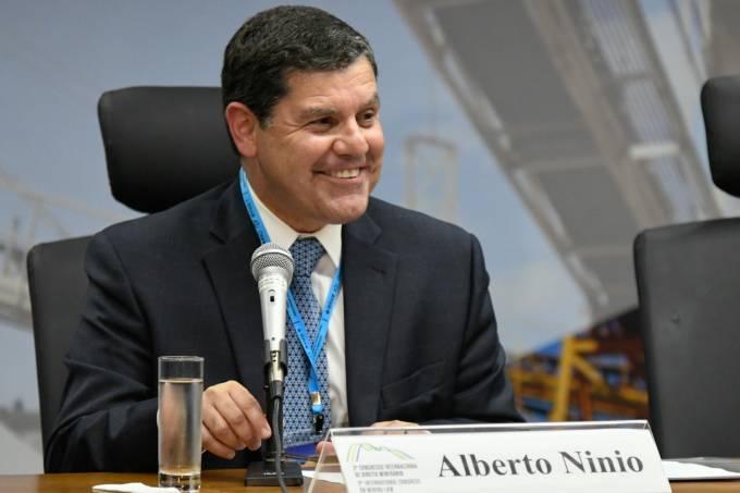 Alberto Ninio(1)