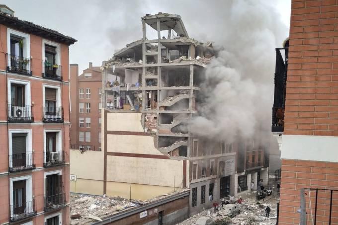 Explosão destrói prédio no Centro de Madri