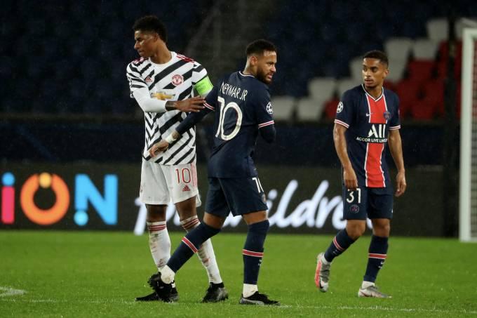Rashfordrd e Neymar durante duelo da Liga dos Campeões