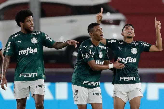 River Plate v Palmeiras