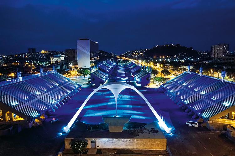 PARA QUANDO A PANDEMIA PASSAR - O Sambódromo, no Rio de Janeiro: Carnaval sem gente, só de luzes, em 2021 -