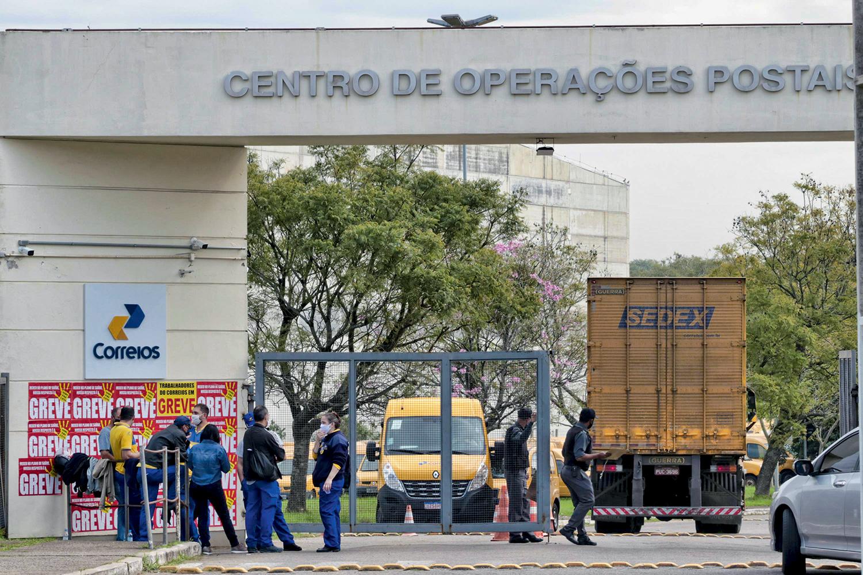 TABU -Correios: a privatização da estatal, engavetada nos primeiros dois anos, pode finalmente sair do papel -