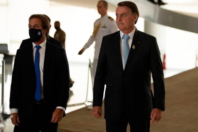 Lacalle Pou llega a Brasilia para una reunión privada con Bolsonaro