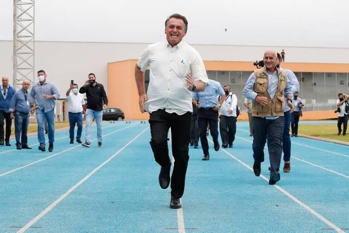 04/02/2021 Inauguração do  Centro Nacional de Treinamento de A- Bolsonaro-Correndo-CNTA