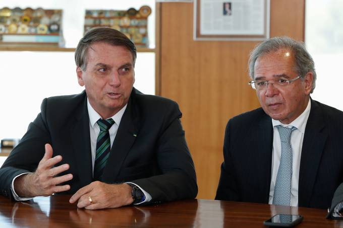 O que ainda segura Paulo Guedes no governo Bolsonaro