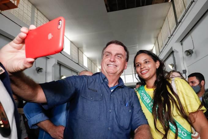 Bolsonaro selfie