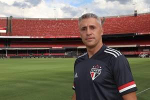 Campeão da Sul-Americana, Crespo iniciará trabalho no São Paulo -