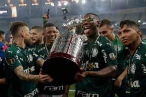 Depois de 21 anos, Palmeiras voltou a conquistar a América