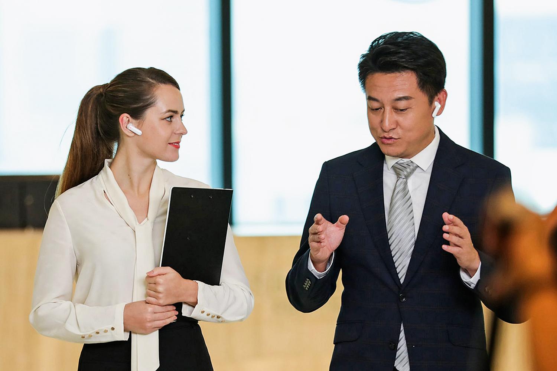 SINTONIA -Reuniões de negócios: o equipamento pode ser compartilhado em eventos por até seis pessoas -