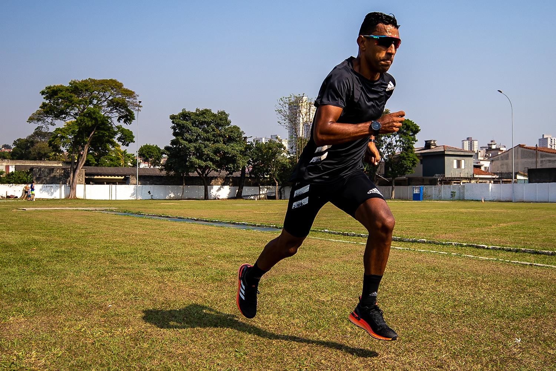 PSICOLOGIA SALVA VIDAS - Com depressão, o maratonista Daniel Chaves pagou terapia do próprio bolso: hoje em dia, recebe atendimento profissional e, curado, deve disputar a sua primeira Olimpíada em Tóquio -