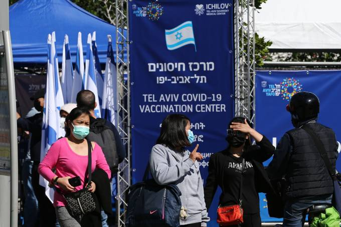Refugees and migrant workers also start to be vaccinated against Covid-19 in Israel